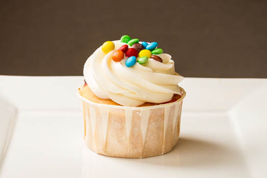 Campbells-Sweets-M-And-M-Cupcake-Close